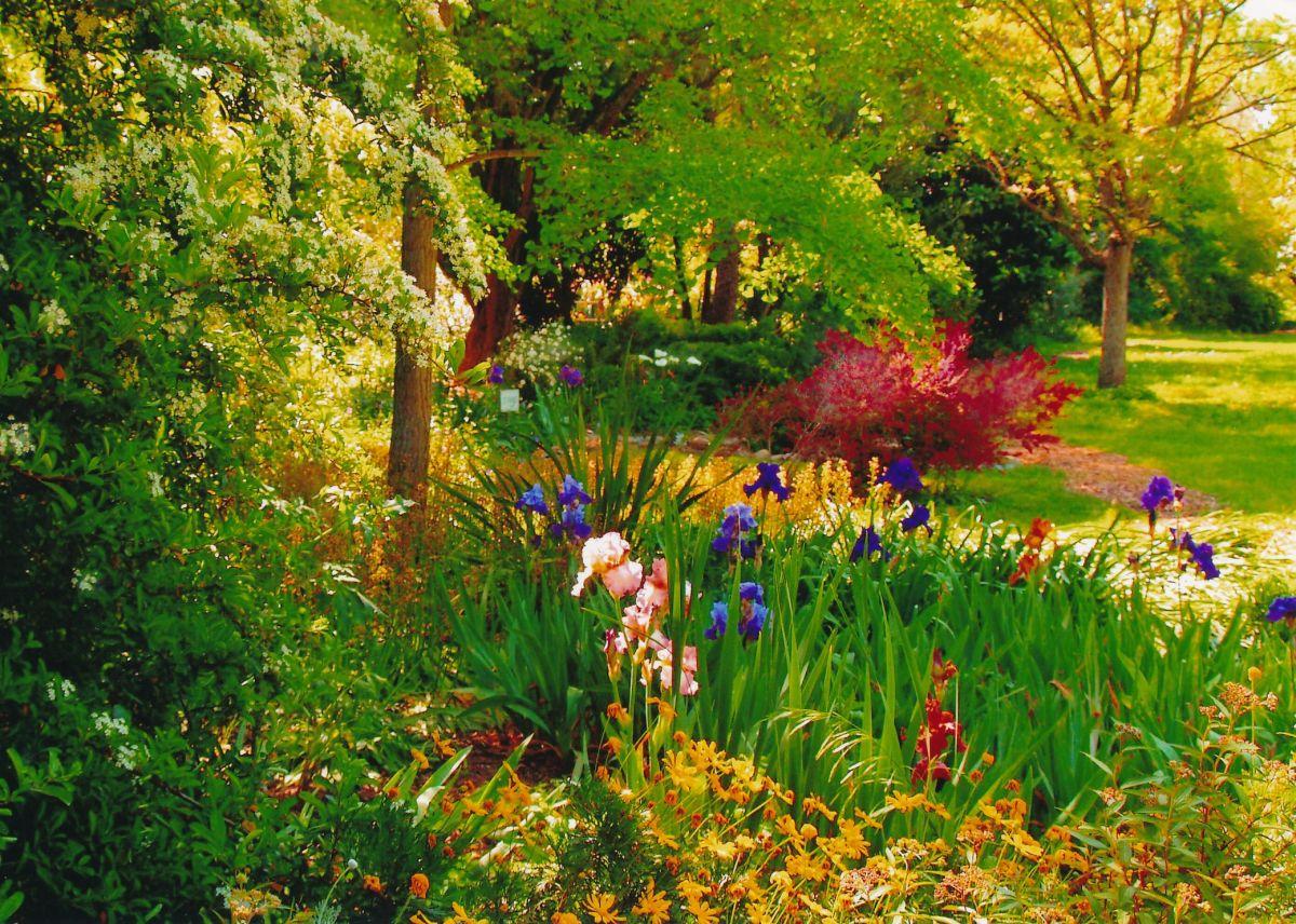 1 - Vedanta Society of Sacramento - Garden of Saints - Entrance - Image 3