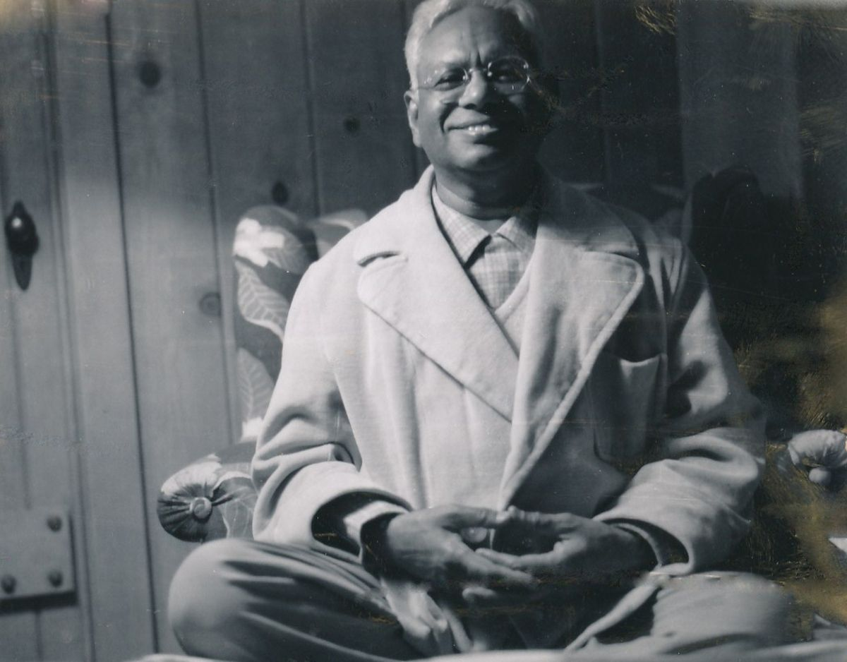 2 - Swami Ashokananda - Photo 2.jpg