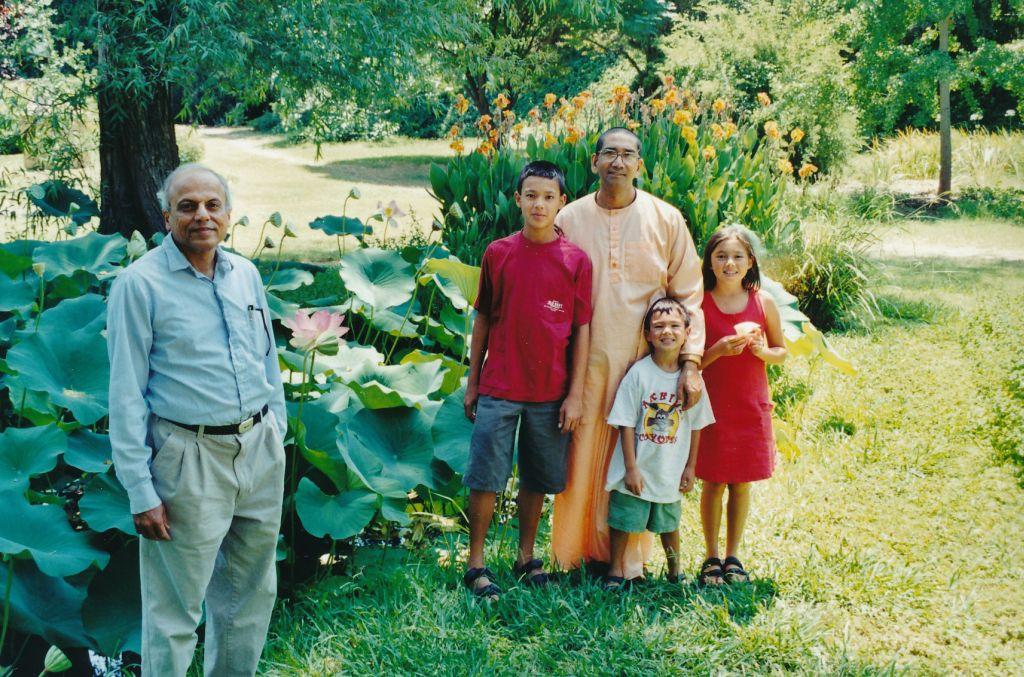 2001-07-11 Sw. Prapannananda, Sw. Medhasananda