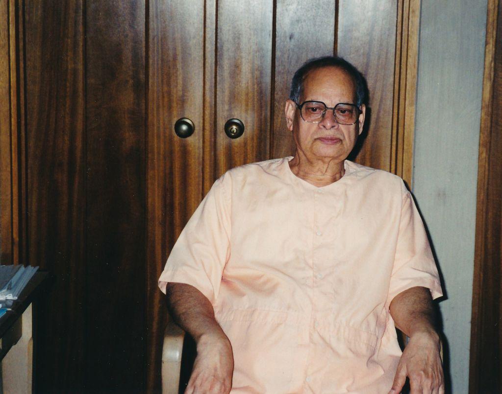 2001-09-01 Sw. Swahananda-2