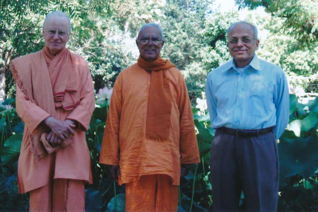 2005-07-07 Sw. Vedananda, Sw. Prameyananda, Sw. Prapannananda