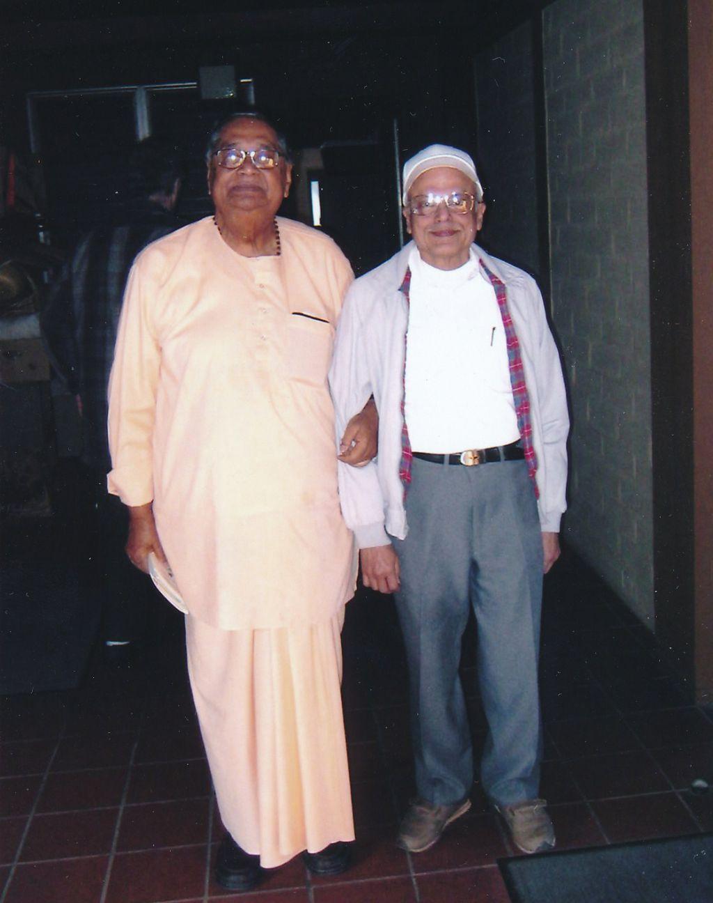 2006-10-15 Sw. Sridharananda's Visit, Sw. Prapannananda