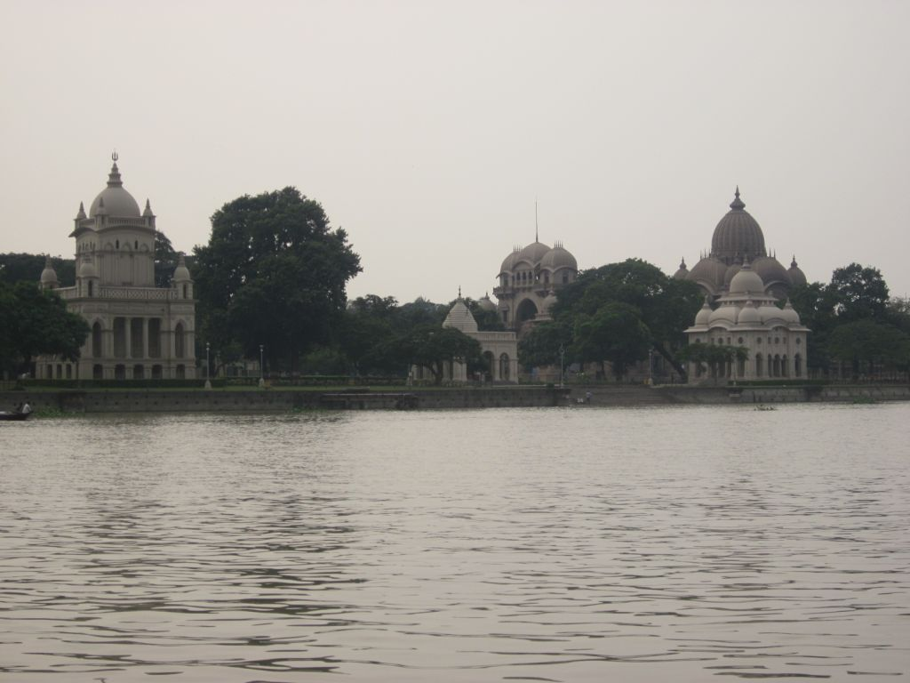 6 Belur Math from the Ganges - Photo 3