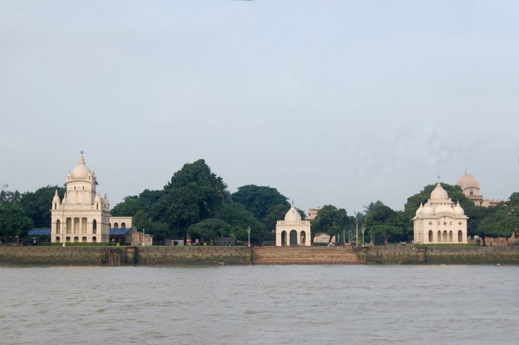 7 Belur Math from the Ganges - Photo 4