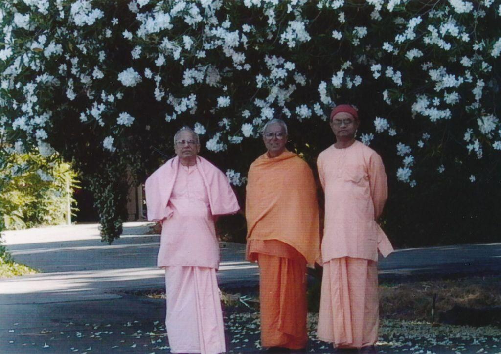 Sw. Prapannananda, Sw. Prameyananda, Sw. Ishtananda