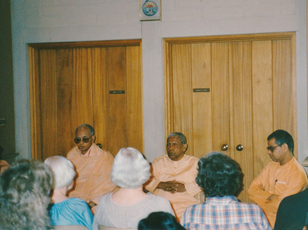 Sw. Shraddhananda, Sw. Bhuteshanandanda, Sw.  Nityamuktananda
