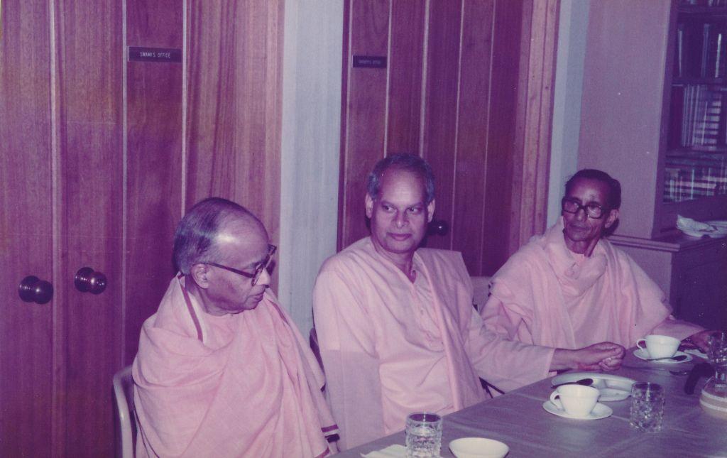 Sw. Shraddhananda, Sw. Swahananda, Sw. Pramathananda -1