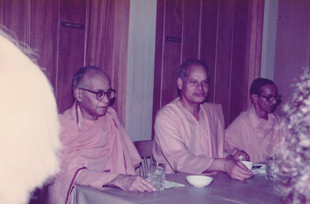 Sw. Shraddhananda, Sw. Swahananda, Sw. Pramathananda -2