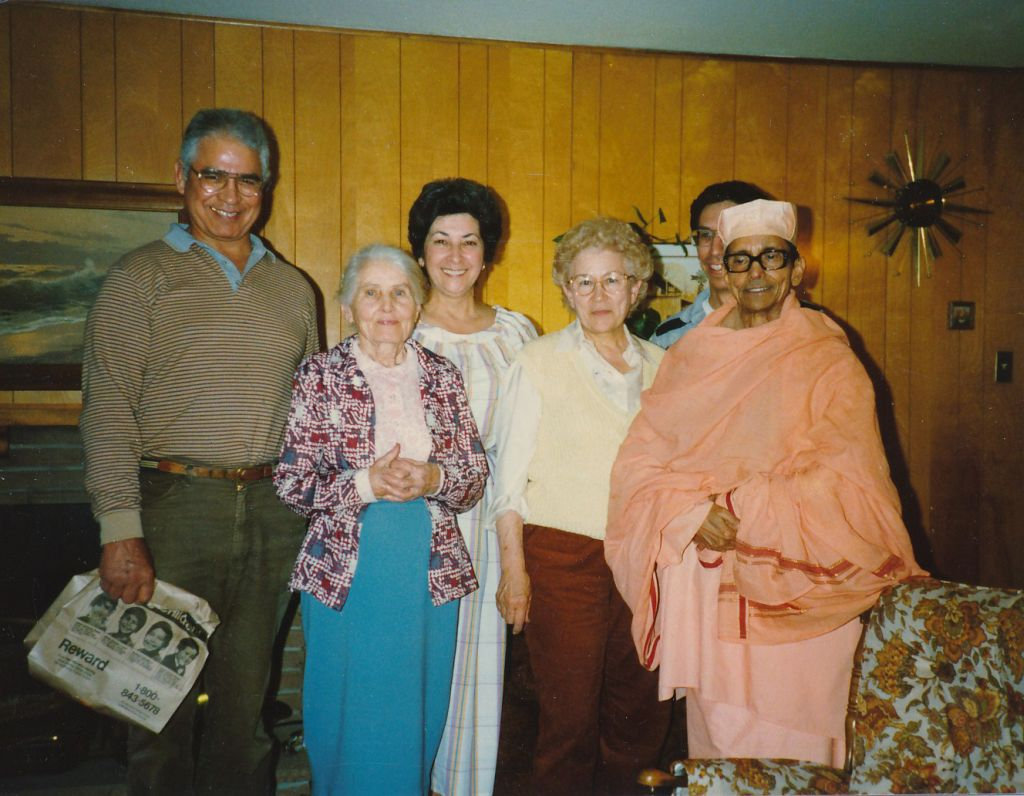 Swami Pramathananda with Sally Marlin, Ed Melen, Miss Sutton and others - 2