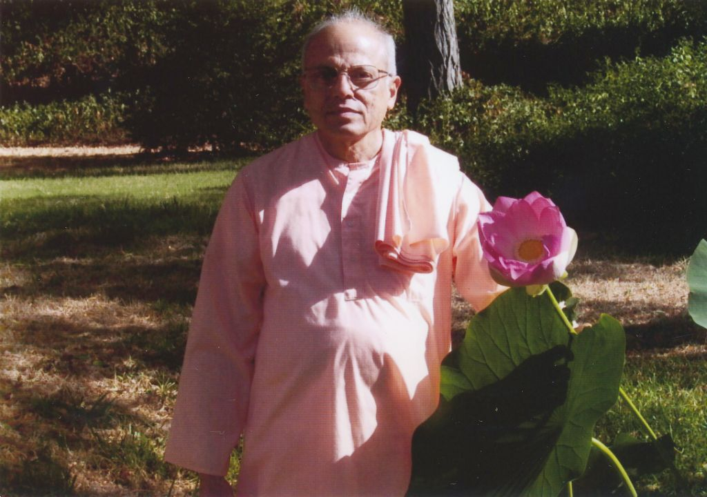Swami Prapannananda  near the lotus pond