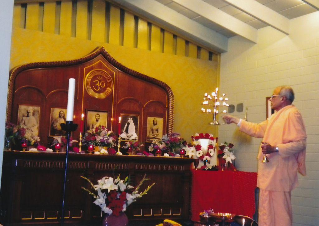 Swami Prapannananda performing Puja - April 2011