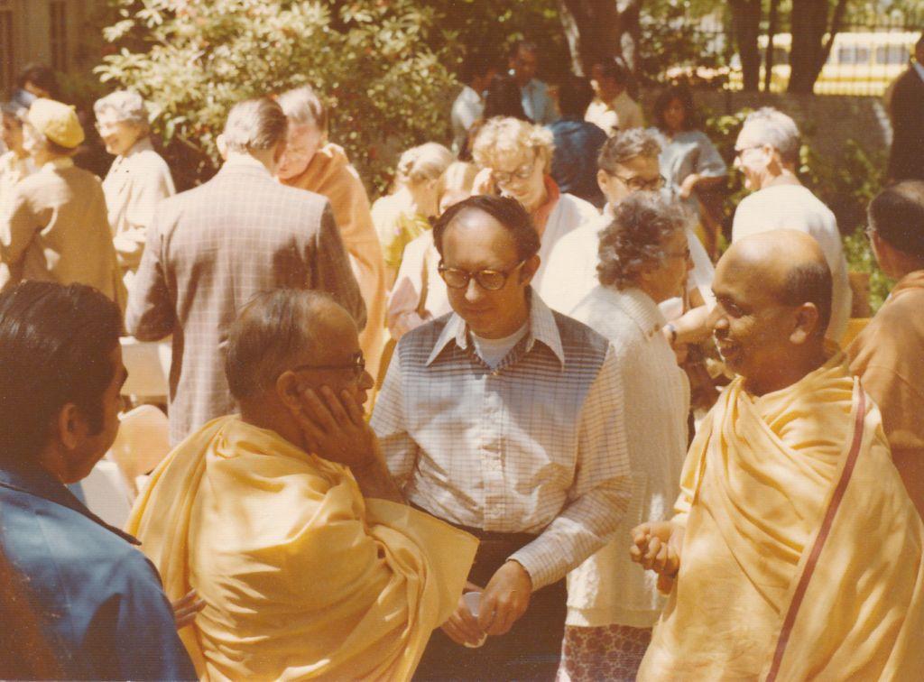 Swami Shraddhananda and Swami Prabuddhananda with Gilbert White